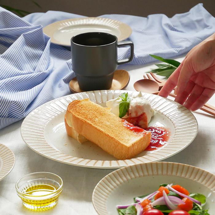 万能に使える大きめサイズ 大皿料理やディナープレートに最適