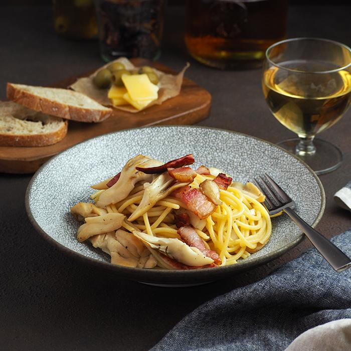 細かな縮れ模様でモダンな雰囲気和洋使えるパスタ・カレー皿