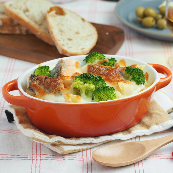 オーブン料理をおしゃれに見せる両手付きオーバルグラタン皿