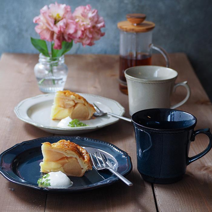 ティータイムや朝食に たっぷり飲める大きめマグ