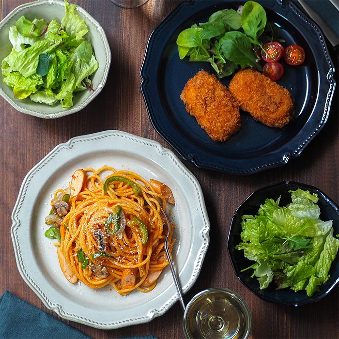 アンティーク調のディナープレート 欧風レストラン風の食卓を演出