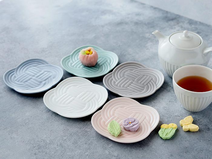 お茶会や女子会に 和を感じるお菓子皿