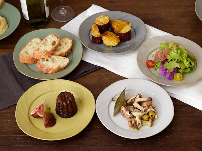 サラダ皿、パン皿、ケーキ皿と、用途が広く出番も多い中皿です。