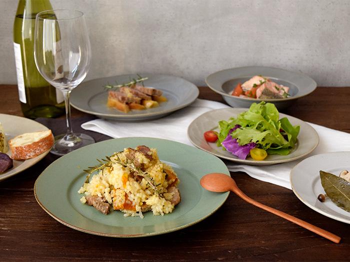 定番のパスタ皿から主菜皿、ランチプレートまで色々使えます。