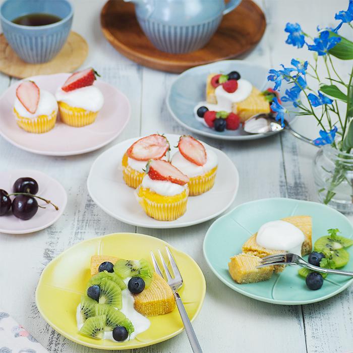 カラフルな小皿で優雅なティータイム