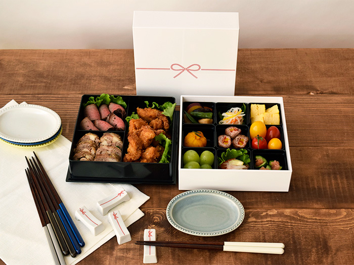 ホームパーティやおもてなしにも使える二段重箱  kuruhimo(クルヒモ) 送料無料の和食器