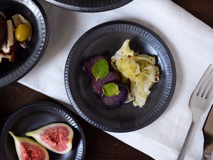 サラダ皿、副菜皿、銘々皿など、サブメニューが美味しそうに盛り付けできます。