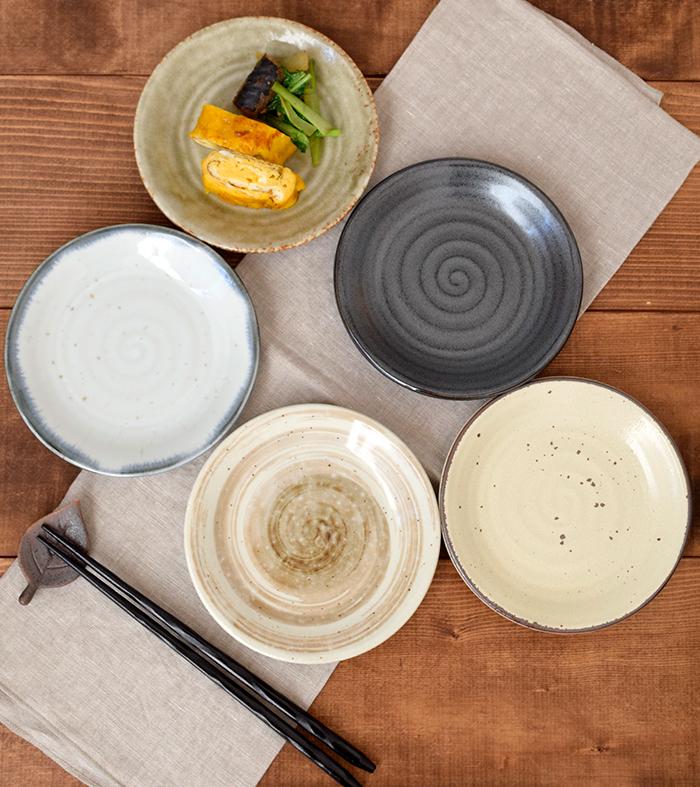 自分の好みにあった和食器が選べる、バリエーション豊かなシリーズです。