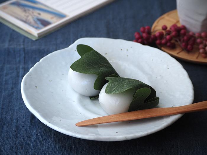 和洋問わずどんな食卓にも合う 使いやすさを考えたデザインのお皿