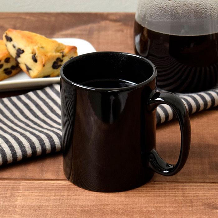 いつ手にとってもスタイリッシュな印象を与えてくれるマグカップ