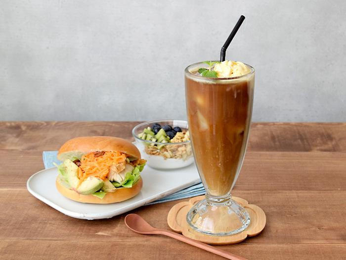 アイスコーヒーやフロート、タピオカドリンクにも使えるロンググラス