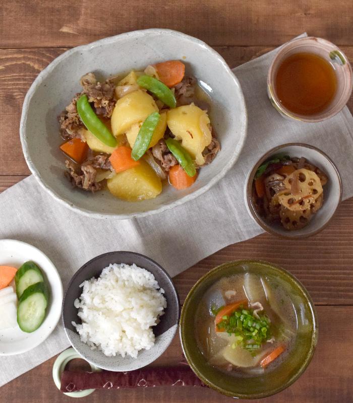 和食、洋食料理のジャンルを選ばず、メイン料理に活躍する食器