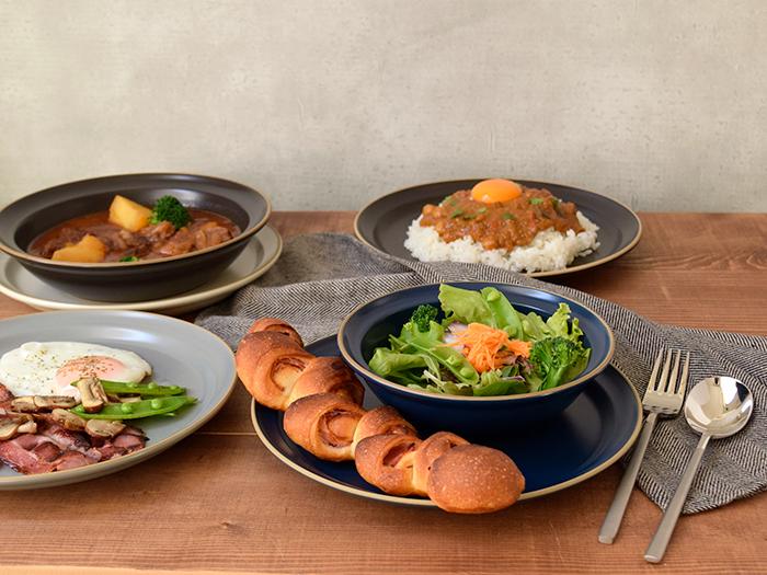 ワンプレートの盛り付けやメインディッシュの盛り付けもしやすい大皿です。
