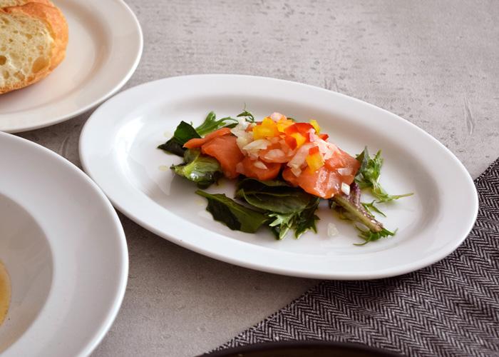 白い食器 楕円皿